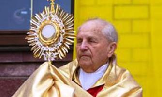 Estuvo diez años en Siberia, le dijo misa hasta a sus guardianes y hoy el Papa llora su muerte
