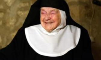 Monja española ostenta récord de clausura: Vive feliz desde hace 84 años