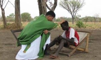 El padre Tae-suk murió, no su obra: dos jóvenes sur-sudaneses labran en Corea el futuro de su país