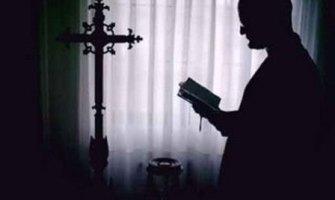 Un exorcista: «El diablo no es un idea; es un ángel rebelde, pervertido y mentiroso»