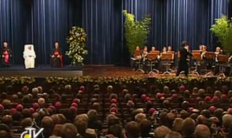El Papa se pregunta qué debe cambiar la Iglesia para no perder más católicos