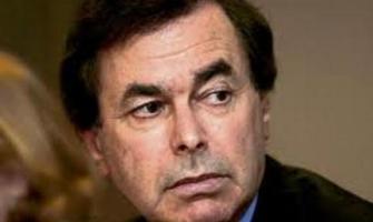 El Ministro de Justicia irlandés vuelve a amenazar con una ley que prohibiría el secreto de confesión