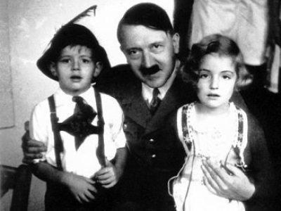 El sobrino-nieto de Hitler se convirtió al judaísmo y enseña el Talmud