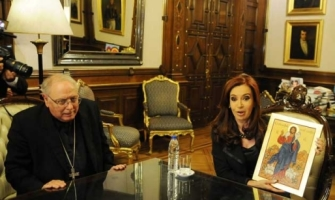 La presidente de Argentina se acerca al episcopado ratificando su oposición al aborto