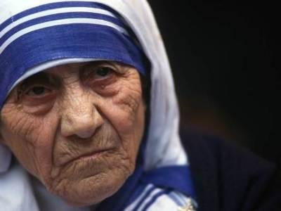 La Madre Teresa contra el SIDA en los Estados Unidos