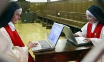 """La monja """"twittera"""" que quiere evangelizar la red"""