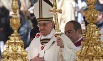 Miles en la misa de inicio de pontificado de Francisco. 'El verdadero poder es el servicio'