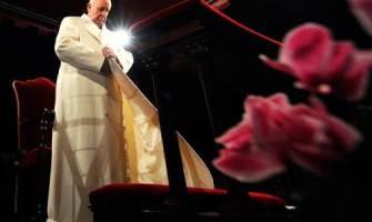 """A veces nos parece que Dios no le responde al mal"", Papa Francisco"