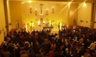 Iglesias llenas y homilías en línea