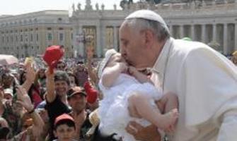 """Papa Francisco: Él es el """"agua viva"""" que Jesús prometió para colmar los anhelos más profundos y más altos del corazón humano"""
