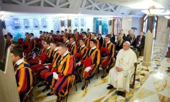 """""""Cristianos no sean tibios"""": exhortación del Papa Francisco en Santa Marta"""