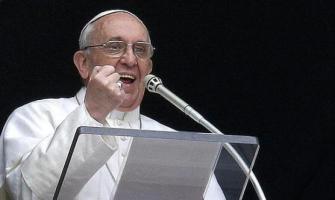 Francisco reforzó voz y gesto y proclamó seis veces: «No olvidemos esto, Dios nos perdona siempre»