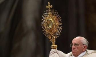 Adoración eucarística mundial con el Papa Francisco