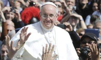 «Digamos ´sí´ a la vida y el amor, y ´no´ a la muerte y el egoísmo», pide el Papa Francisco