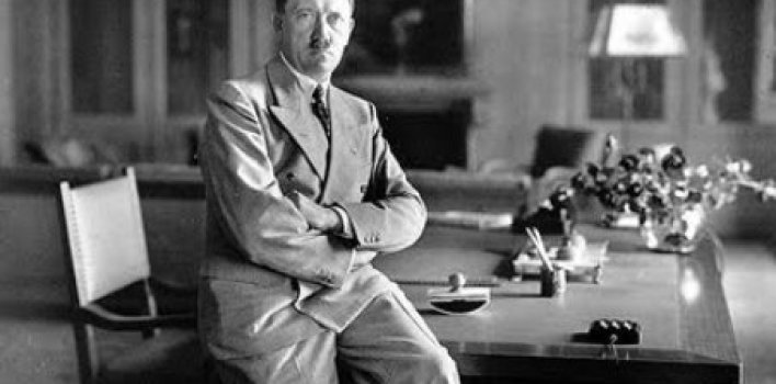 Adolfo Hitler y el demonio