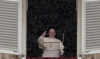Francisco en el ángelus: 'Cada encuentro con Jesús nos cambia la vida'