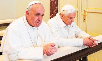 De Benedicto XVI a Francisco y las redes sociales