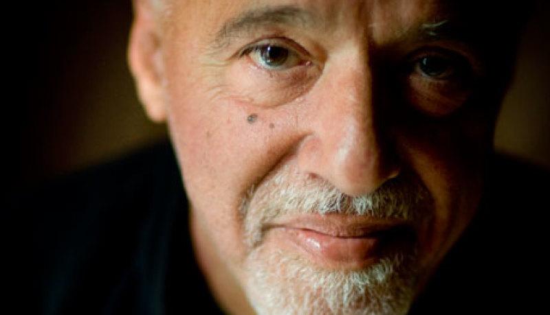 El escritor Paulo Coelho es un autor católico como él dice ser ¿o un promotor de la Nueva Era?