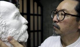 El escultor que encontró la fe construyendo la Sagrada Familia en España