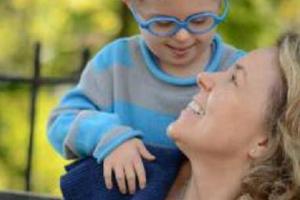 Planeaba abortar a su bebé síndrome de down, pero un chico así la abrazó y ella pensó: «¡es Jesús!»