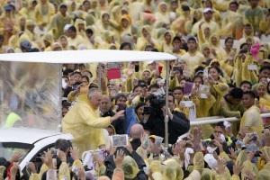Los filipinos, llamados a ser grandes misioneros en Asia en misa ante 7 millones