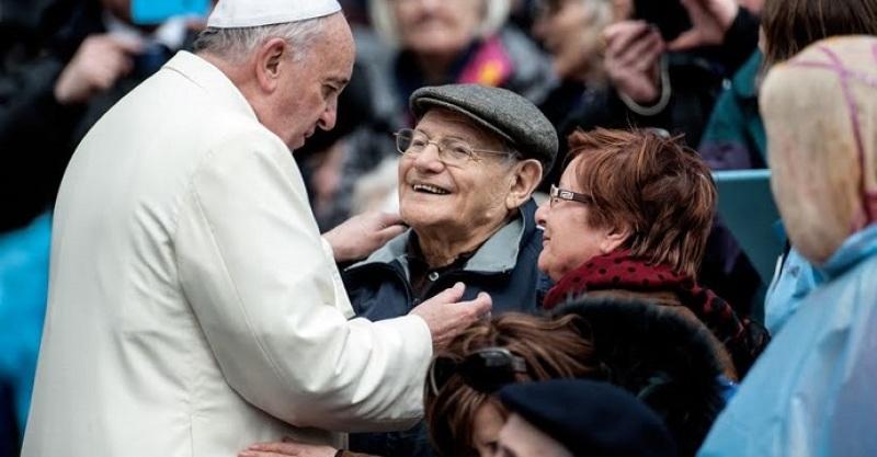 El Papa sostiene que abandonar a los ancianos es pecado mortal