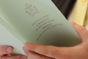 La encíclica de Francisco: «La tierra está herida, se necesita una conversión ecológica»