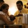 ¿Por qué los católicos bautizan a los niños, si no tienen pecado y no han llegado al uso de razón?