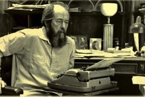 Solzhenitsyn I: Los hombres se han olvidado de Dios, esa es la causa de todo