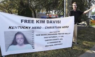 EE.UU: cárcel para la cristiana Kim Davis por no dar licencias de «matrimonios» homosexuales