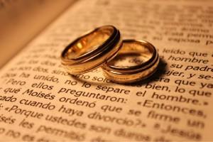 «Lo que Dios unió, no lo separe el hombre»