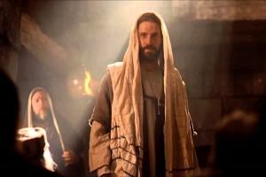 «Pero él, abriéndose paso entre ellos, se marchó»