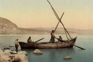 «Llevaron a tierra las barcas y, dejándolo todo lo siguieron»
