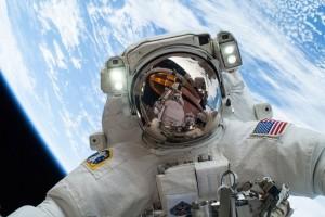 Mike Hopkins, el astronauta que llevó al espacio el Santísimo Sacramento