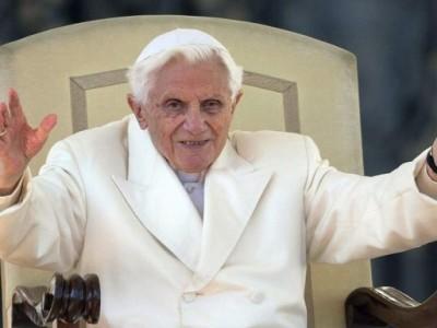 """""""El hombre ha sido creado por Dios y para Dios """" Papa Benedicto XVI"""
