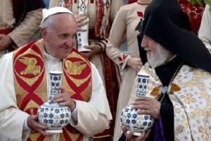 El Papa en Armenia: «somos peregrinos, y peregrinamos juntos […] hay que confiar el corazón al compañero de camino sin recelos, sin desconfianzas»
