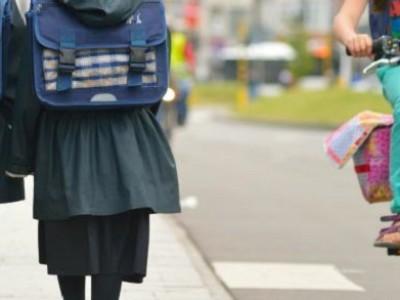 Niños con falda, la última medida británica de la agenda LGTB