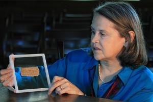La «descubridora» del «Papiro de la esposa de Jesús» reconoce que es falso