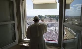 """Papa Francisco pide el final de la violencia contra las mujeres Y por las poblaciones golpeadas por """"masacres realizadas en un silencio vergonzoso, sin atraer ni siquiera nuestra atención"""""""