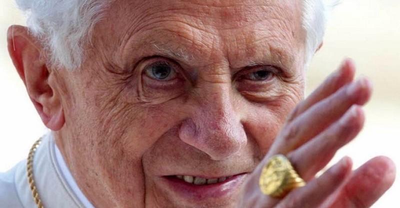 Benedicto XVI desmonta todas las teorías y desvela los motivos reales de su renuncia