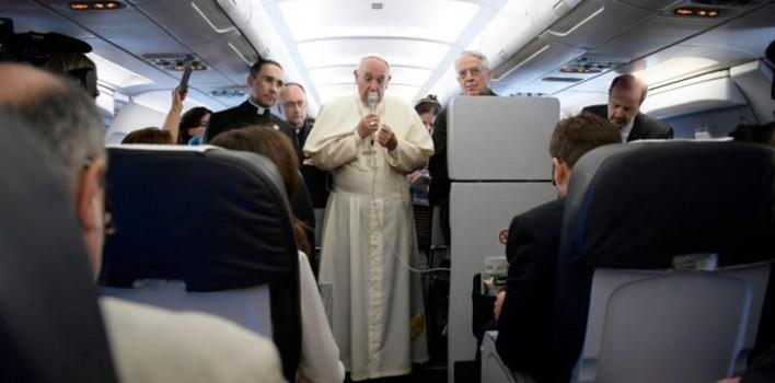 """El Papa asegura que """"no es justo identificar el islam con la violencia"""""""