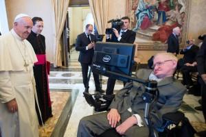 Cuando la religión (Papa Francisco) se encontró con la ciencia (Stephen Hawking)
