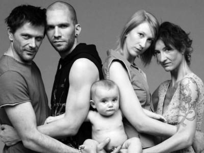 ¿Niños con dos «papás» o dos «mamás»? Un psicólogo se atreve a advertir de que eso no es bueno