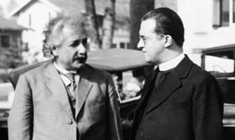 El odio feroz de la religión a la ciencia: así se creó «el gran mito» que llega hasta nuestros días