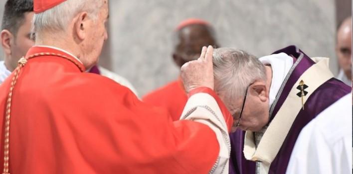 """El Papa denuncia en Miércoles de Ceniza la """"asfixia sofocante"""" del hombre por sus egoísmos"""