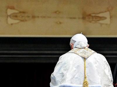 La imagen impresa en la Sábana Santa es la de un muerto, pero la sangre habla de su vida