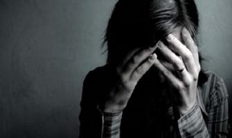 """7 señales de personas con """"depresión escondida"""""""