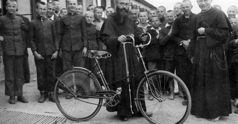 5 datos curiosos sobre la vida de San Maximiliano María Kolbe, mártir del siglo XX
