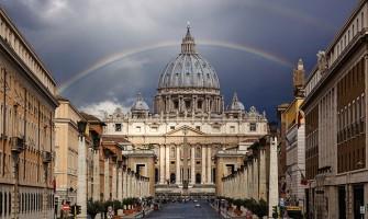¿El Vaticano tiene suficiente dinero para acabar con el hambre mundial dos veces?