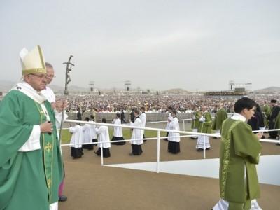 """Misa en Lima: """"El Señor te invita a caminar con Él en tu ciudad"""""""